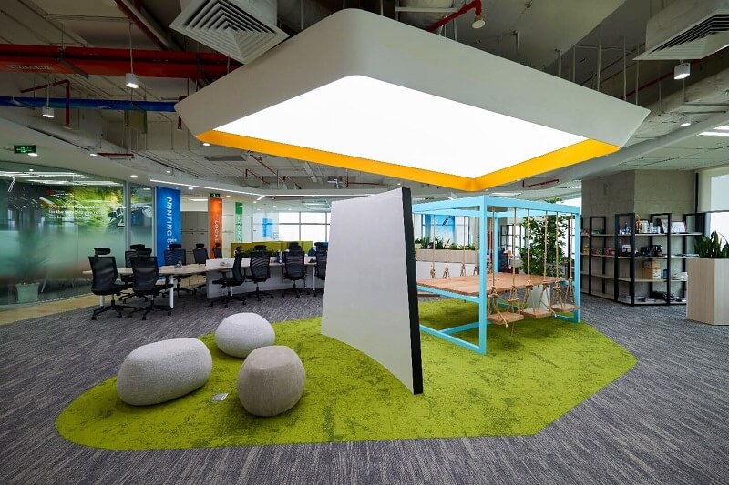 Discussion area at 3M's office is inspired by the idea of an outdoor park